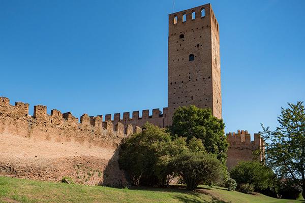 Visita guidata al mastio di Ezzelino, la torre più alta della città